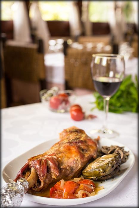 Avet Blau Restaurant Montseny Espatlla de Xai rostida