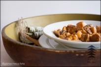 Avet Blau restaurant Mongetes del ganxet guisades amb careta de porc, cansalada i botifarra