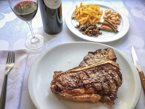 Avet Blau restaurant Montseny T-bone de vaca rubia gallega